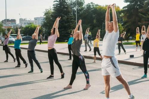 uprazhneniya-utrennej-gimnastiki